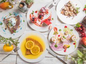 秋葉原「Grand Breton Cafe (グランブルトンカフェ)」では、2018年 3月14日(水)~31日(土)まで「クレープ食べ放題フェア」を開催いたします。期間中はフレンチの料理人がオープンキッチンにてお客様の目の前で仕上げるクレープ30種の食べ放題をメインに、フォトジェニックなビュッフェ台に並ぶ色とりどりのスイーツと、お食事やソフトドリンク各種もすべてお楽しみ頂けます。
