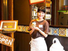 チャイ専門店~諸国漫遊茶屋~ まるで世界中を旅しているかのような異国感が溢れる寄合茶屋「チャイティカフェ」。 様々な国の文化に触れながら味わう風味豊かなチャイで、日常では感じられない癒しと楽しさを感じていただけます。