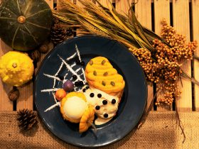 """カリッふわっ食感が新鮮なフレンチトースト専門店『TOASTY'S』から""""大人可愛い""""1日15食のハロウィンメニューが2019年10月10日より順次スタート ~ 秋限定のマロンも提供中! 一度食べたらやみつきになる新食感フレンチトースト ~"""