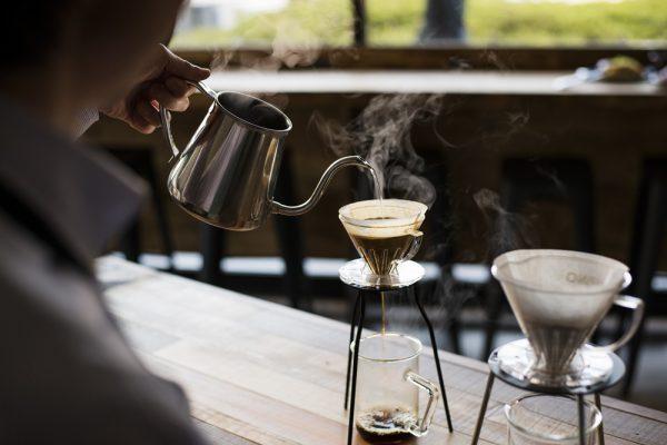 新たなブレンドコーヒーの世界を横浜から発信!「キャラバンコーヒー」が2019年12月9日(月)に創業の地 横浜・元町に地域密着のコーヒースタンド「CARAVAN COFFEE STAND」を開店 株式会社ユニマットキャラバン 2019年12月6日 15時38分 ツイート はてな 素材DL ・・・ その他 メール Slack トークノート この度、株式会社ユニマットキャラバンは(本社:東京都港区/代表取締役社長 寄神拓磨)、1928年横浜・馬車道創業のコーヒーブランド「キャラバンコーヒー」のセルフ型新ブランド店舗「CARAVAN COFFEE STAND」を2019年12月9日(月)に横浜にオープン致します。