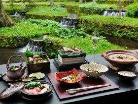 長野県・軽井沢の滞在型リゾート「星のや軽井沢」は、2021年9月10日~10月10日の期間、秋の味覚である松茸をシャンパーニュとともに堪能する滞在プログラム「松茸とシャンパーニュを堪能する優雅なひととき」を実施します。